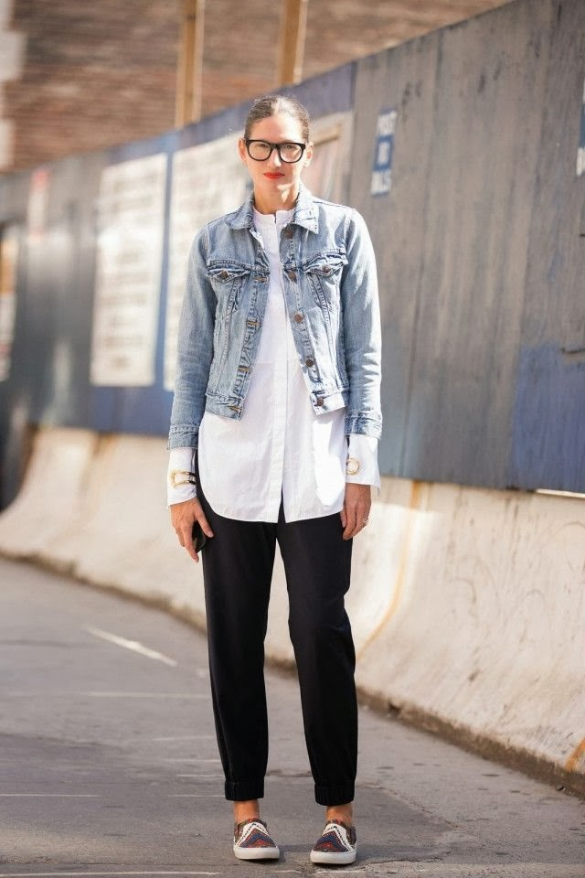 jenna-lyons-white-shirt-street-style-denim-jacket