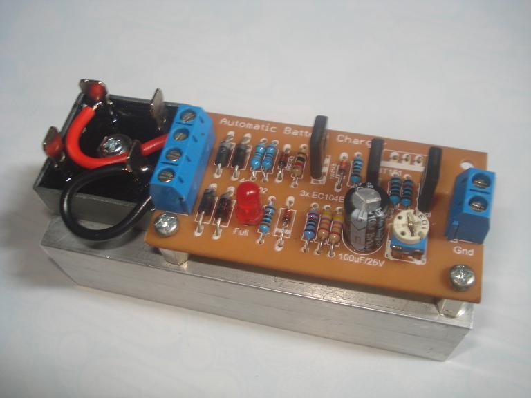 Berikut adalah beberapa foto kit pengisi baterai otomatis yang sudah ...