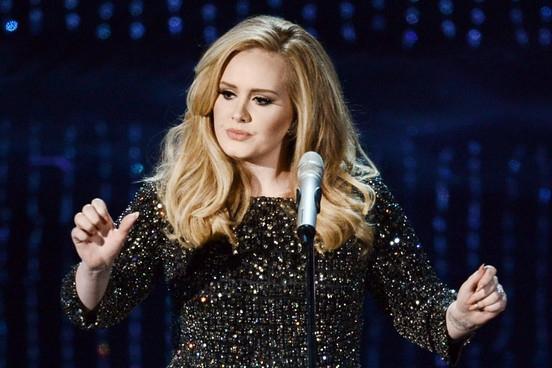 Adele tiene dos álbumes en el top 10 de Billboard