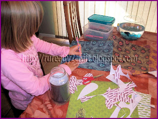 creating feathers for thanksgiving turkey jar