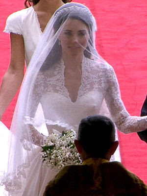 katie holmes wedding dresses. Gwen gets double bridal snaps; katie holmes wedding dresses. kate middleton katie holmes. kate middleton katie holmes.
