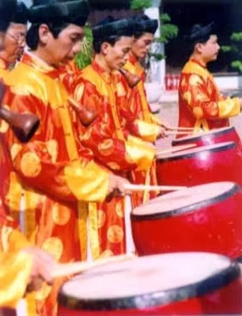 Tapping instruments - Vietnamese traditional music
