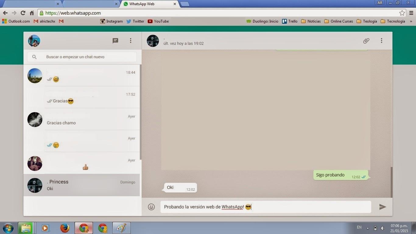 WhatsApp web sincronizada con el móvil.