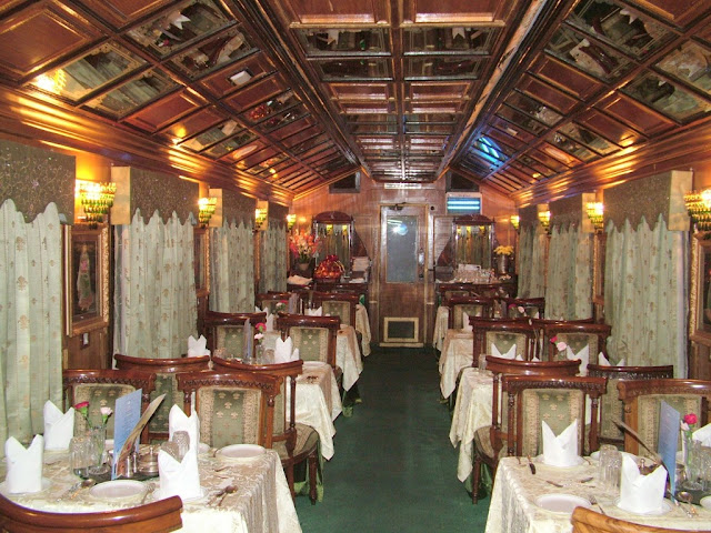 palace on wheels dining cars