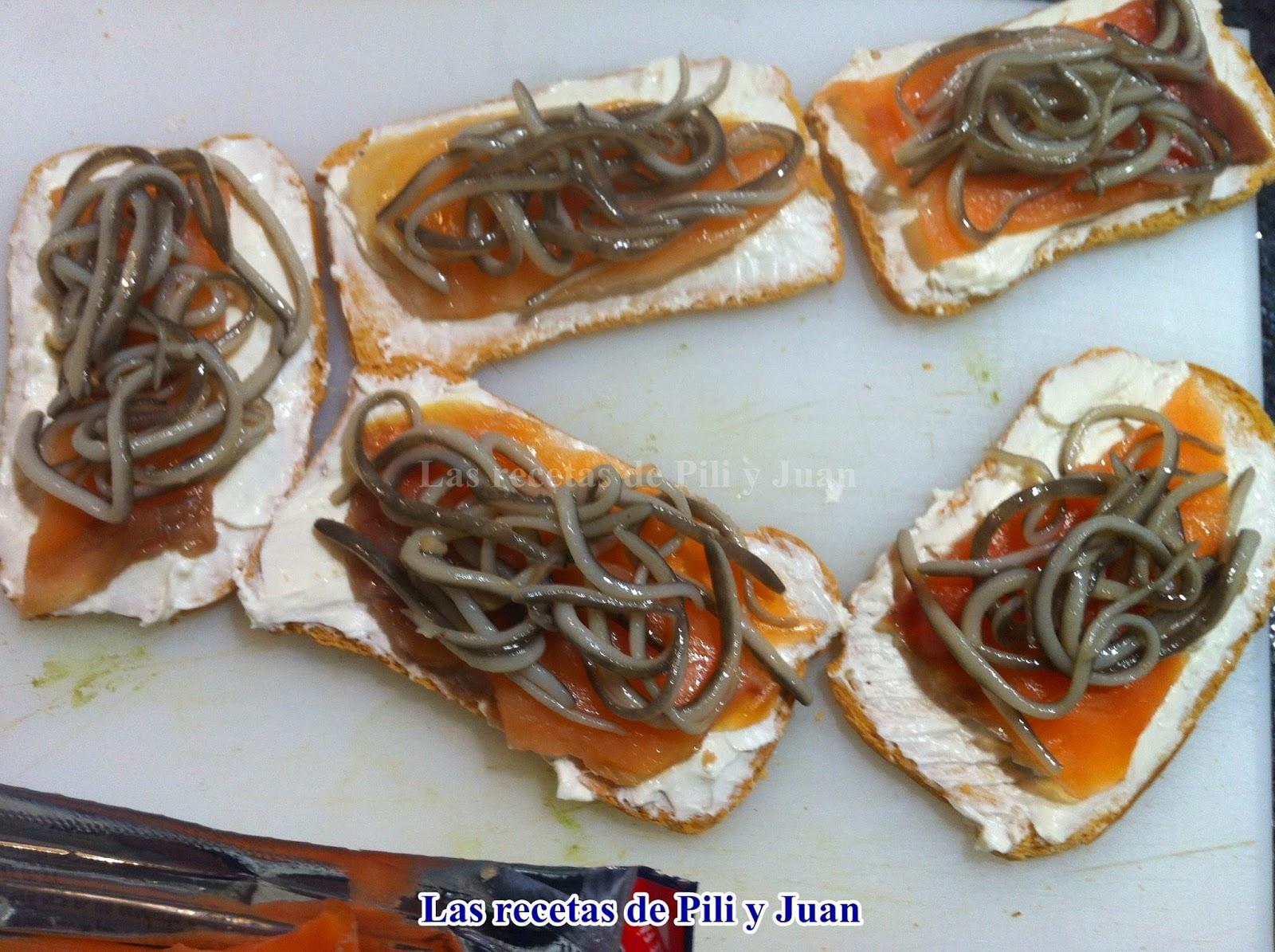 Las recetas de pili y juan tosta de salm n ahumado con gulas - Aperitivos de salmon ahumado ...