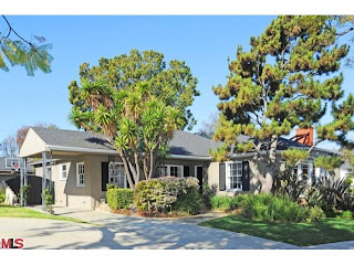 Thumbnail image for Coolest House On Caravan: 1909 S Crest Dr – Beverlywood