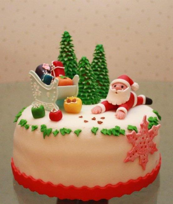 pastel de navidad con trineo celeste