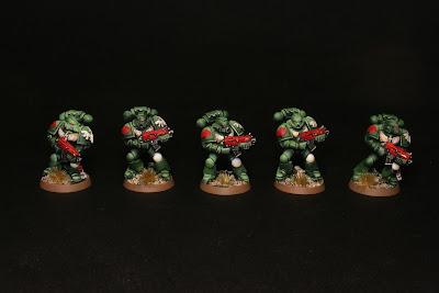 5 marines espaciales de los Ángeles Oscuros