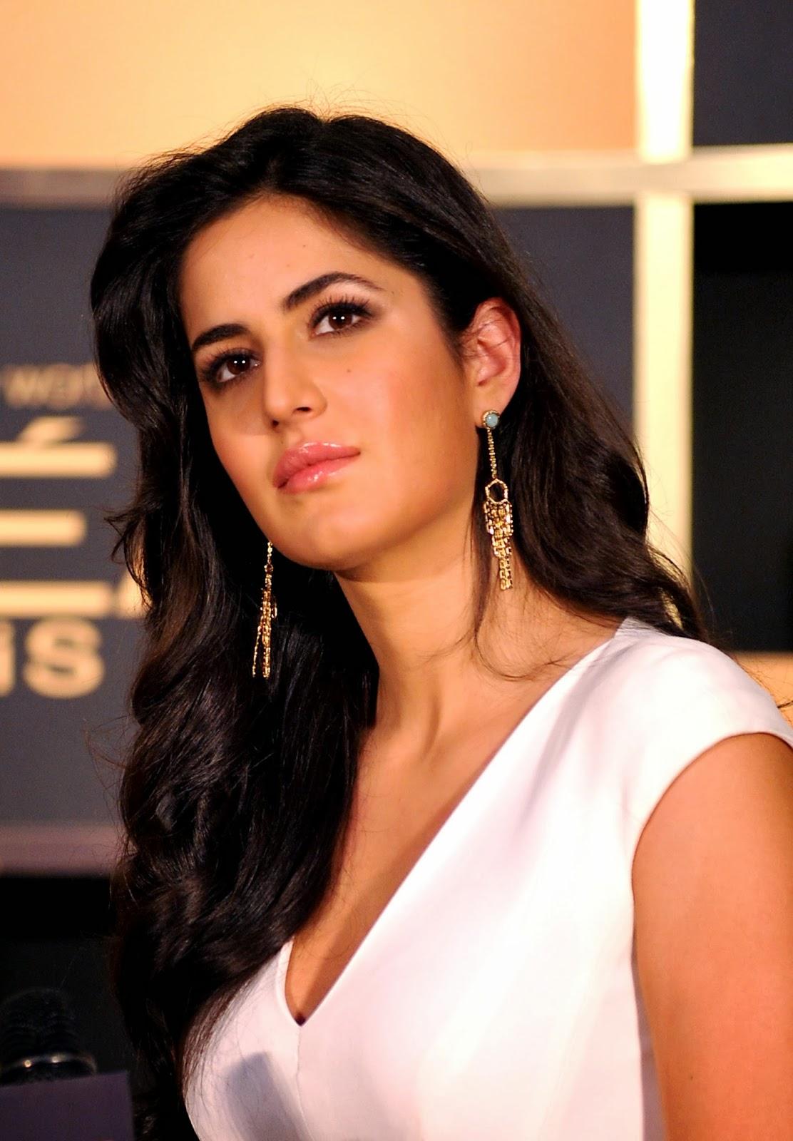 Katrina Kaif, Freida Pinto, Aishwarya Rai, Bachchan, Sonam Kapoor, L'Oreal Paris, Ambassador, Cosmetic, Brand, Product, India, Showbiz, Bollywood, Stars, Model,