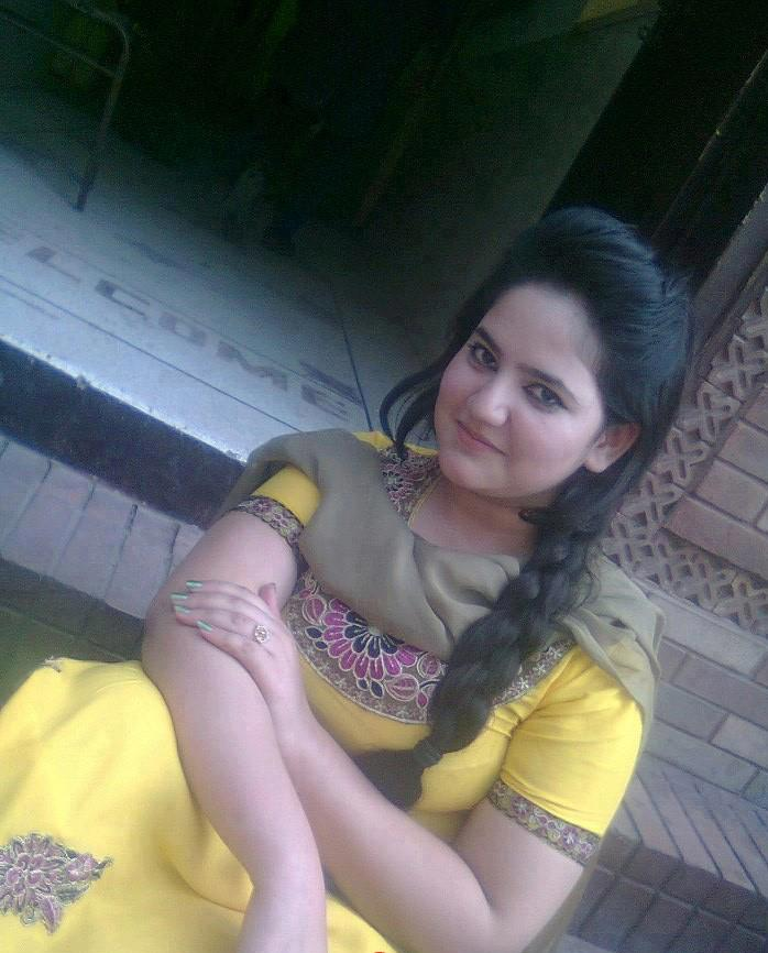 Lovely Simple Beautiful Desi Girl Photos - Jewelry Collection ...
