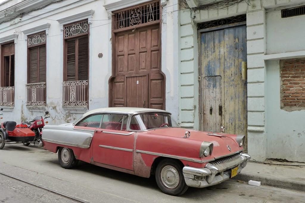 Santiago de Cuba vintage car red