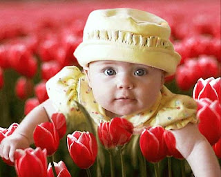 صور جميلة اطفال وسط الورود 2013