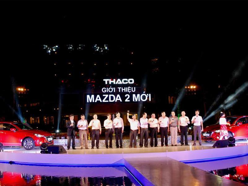Mazda 2 2015| Ra mawts Mazda 2 tháng 7 năm 2015| Mazda 2 sedan| Mazda 2 hatchback 2015