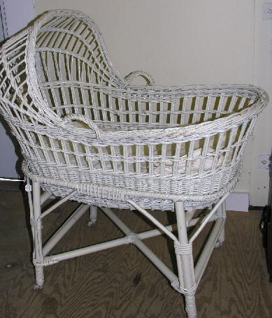 Antique Bassinet Wicker6