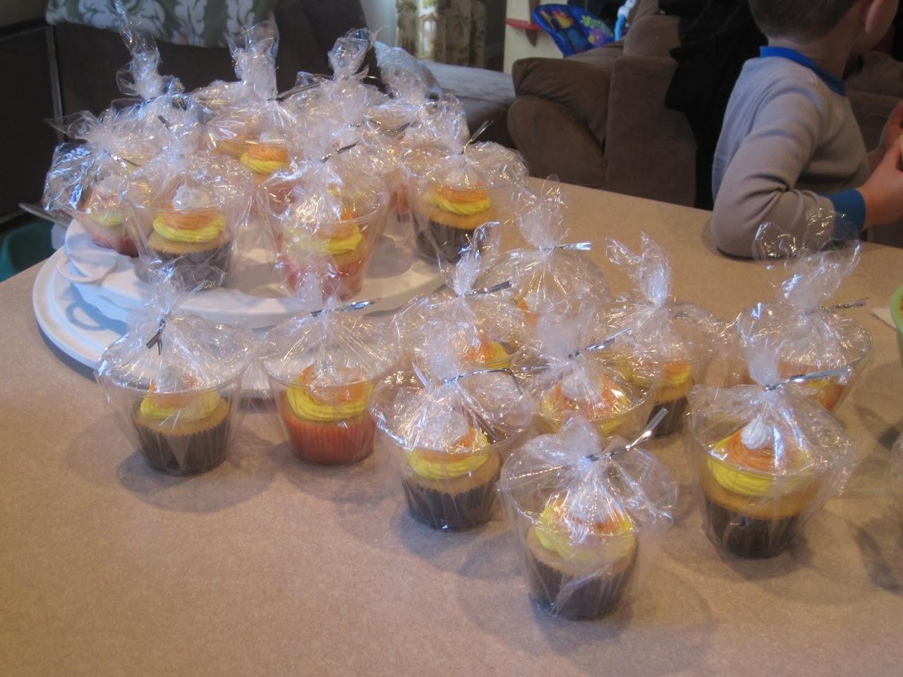 Mixin 39 Mom Candy Corn Cupcakes