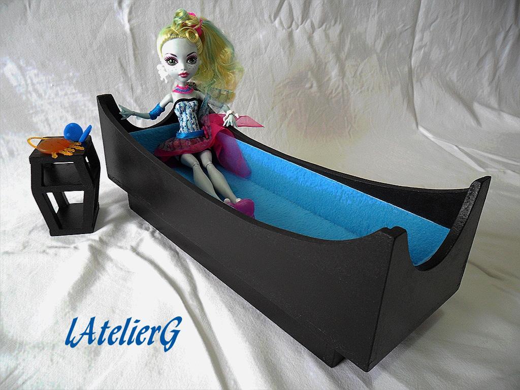 Latelierg 23 sp cial monster high le lit pour lagoona blue - Comment faire un lit pour monster high ...