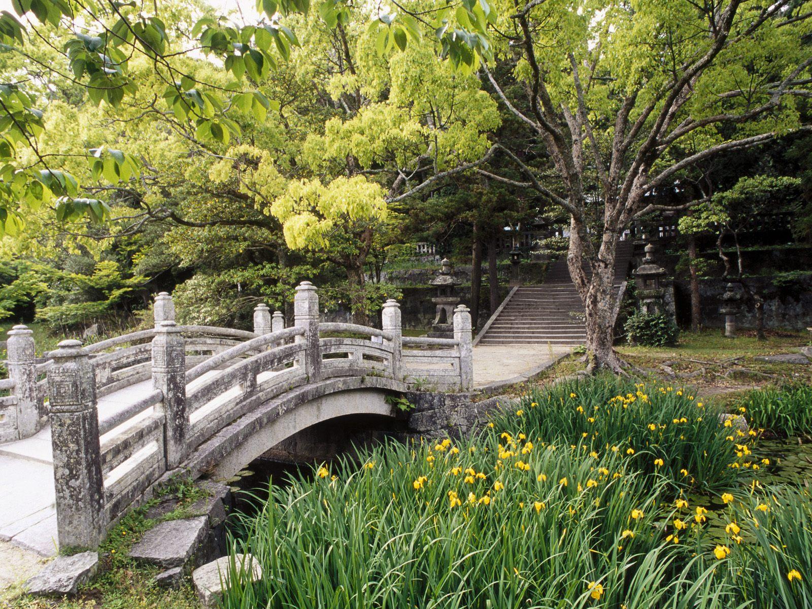 http://4.bp.blogspot.com/-lko5wio3TjU/TggCsvxbA8I/AAAAAAAAAsk/NJGd7aHxqHo/s1600/Hagi-Castle-Garden-Western-Honshu-Japan.jpg