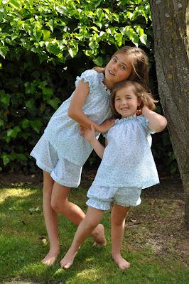 Las Niñucas: colección primavera verano 2011 Pijamas y batas para niñas