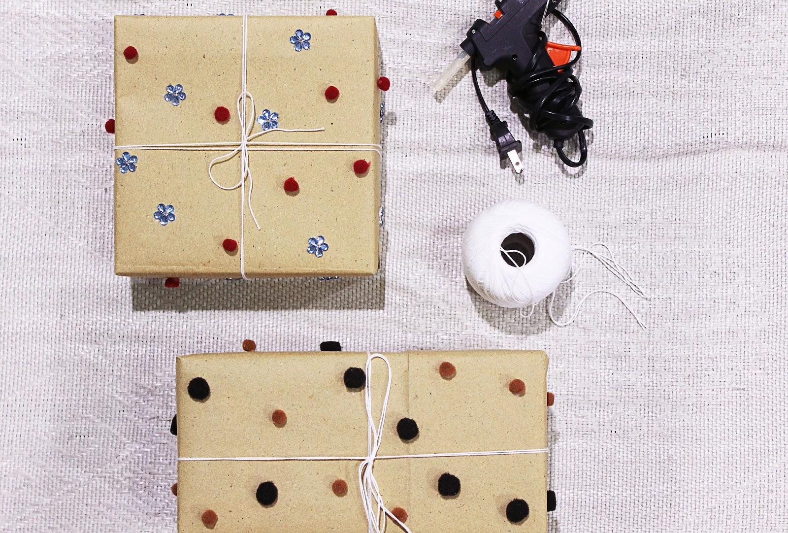 DIY: Pom Pom Gift Wrap