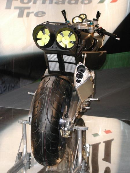 MV 800 Rivale Echap_10