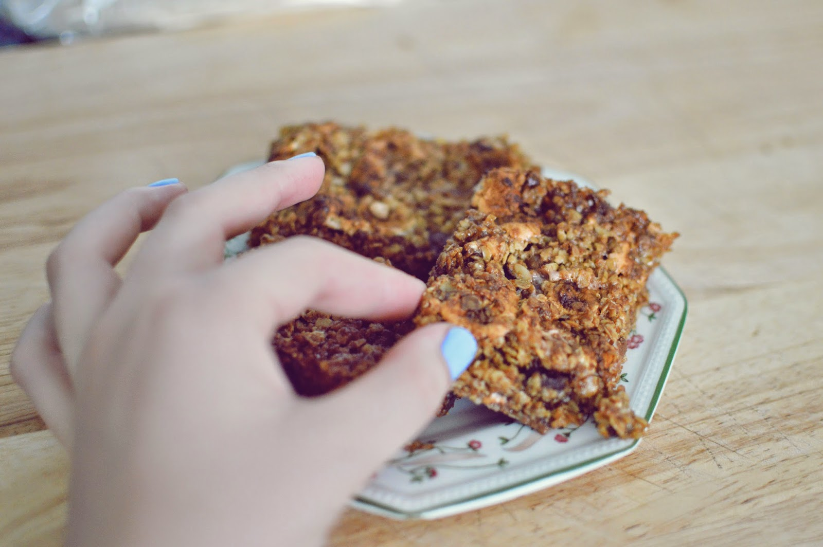 MARSHMALLOW AND CHOCOLATE CHIP FLAPJACKS RECIPE