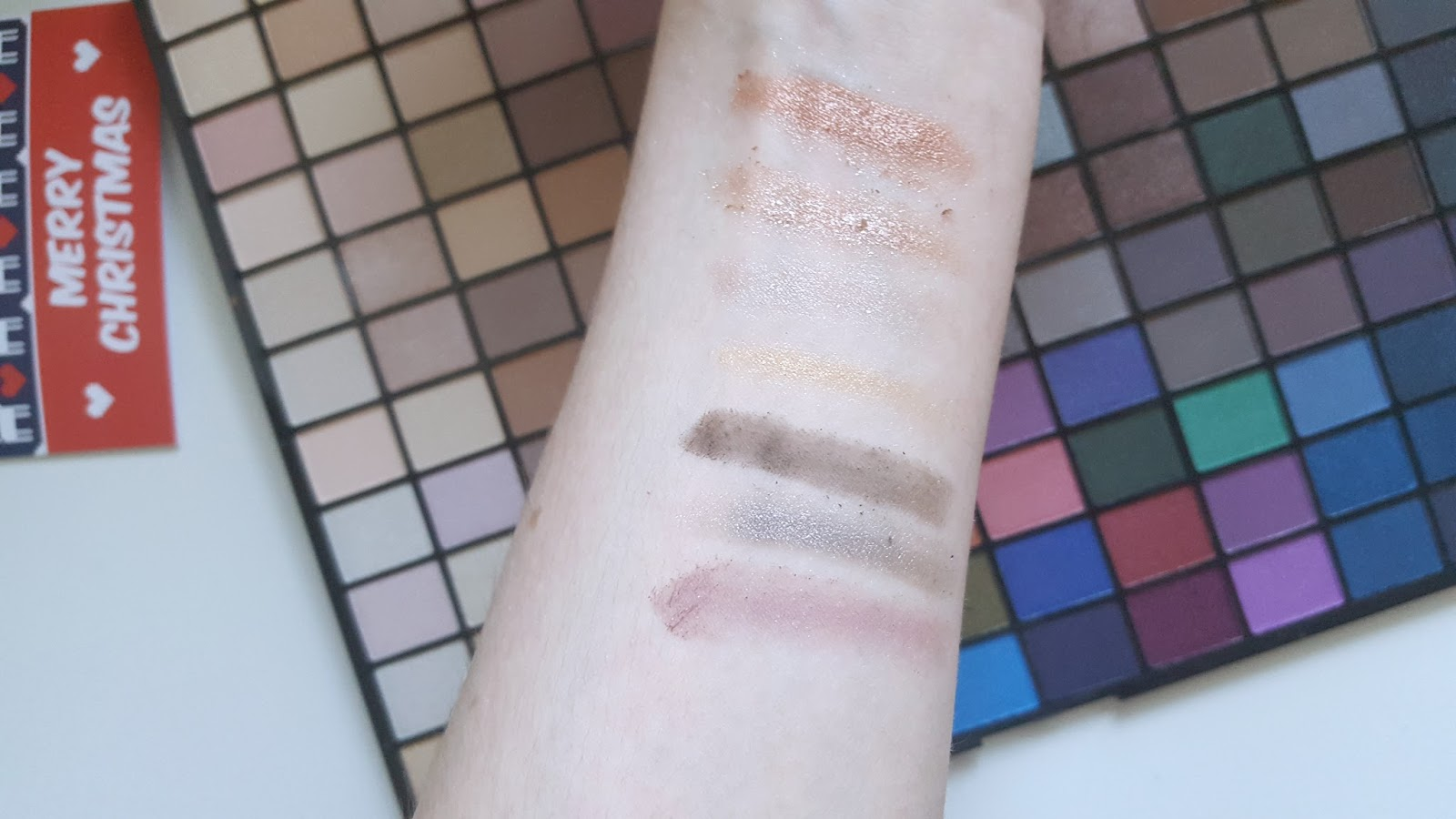 Swatches Makeup Revolution 2016 Palette
