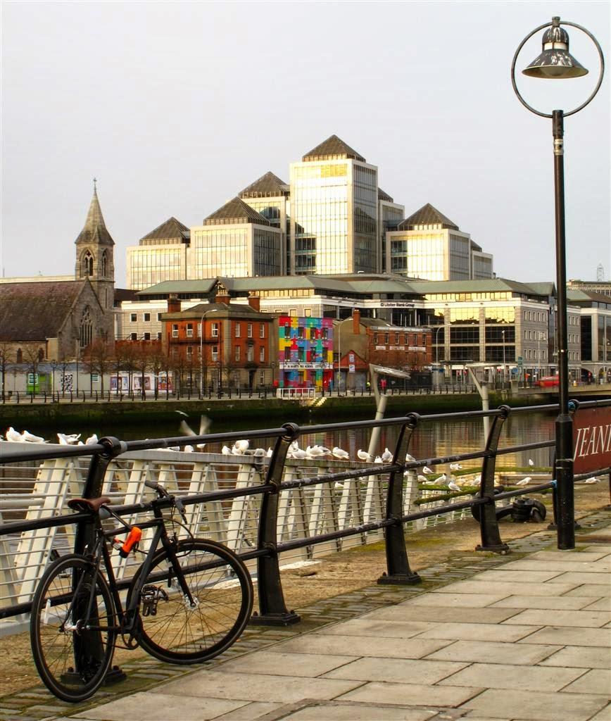 Dublin image, buildings, bikes