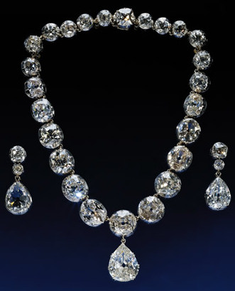 The Coronation Necklace And Earrings