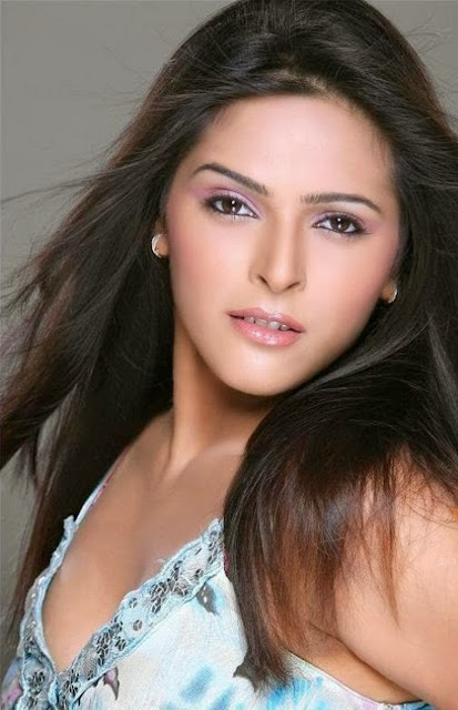 Madhurima Tuli HD Wallpaper