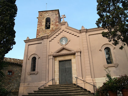 Façana principal de l'església de Santa Coloma de Montpedrós o de Cervelló