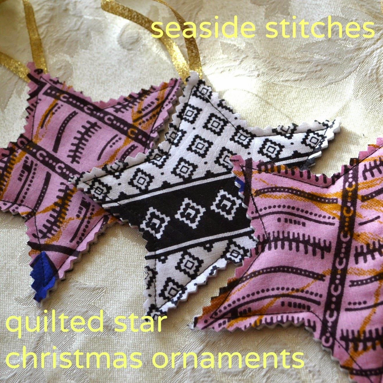 http://seaside-stitches.blogspot.com/2014/11/quilted-star-ornament-tutorial.html