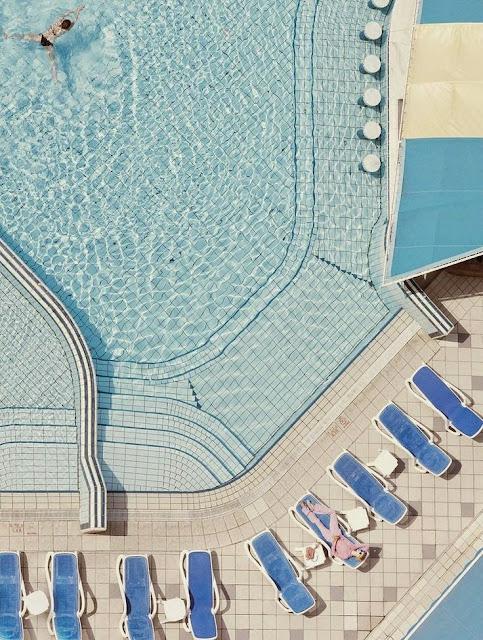 Slim Aarons, pool