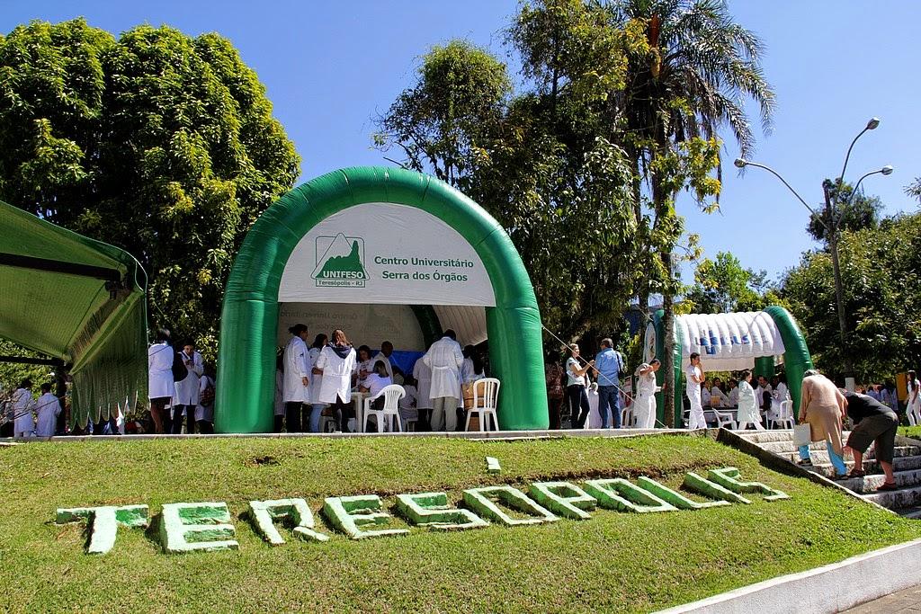 """Evento """"Em dia com a saúde"""" movimenta a Praça Nilo Peçanha, no Alto"""