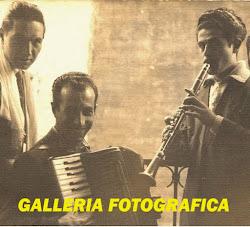 LA STORIA FOTOGRAFICA DEI COMPLESSI E DEI CANTANTI DI SAN MARCO IN LAMIS (1948 - 2002 )