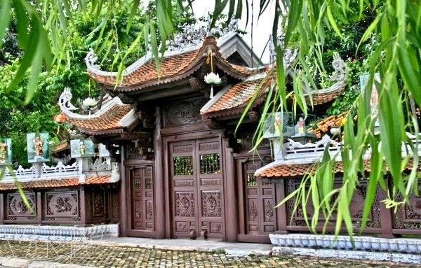 The Ancient Pagoda of Van Nien