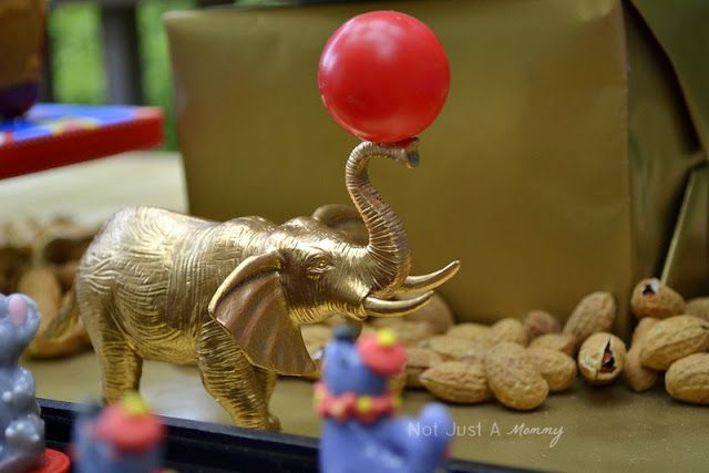 Run Away With The Circus party table gold animals
