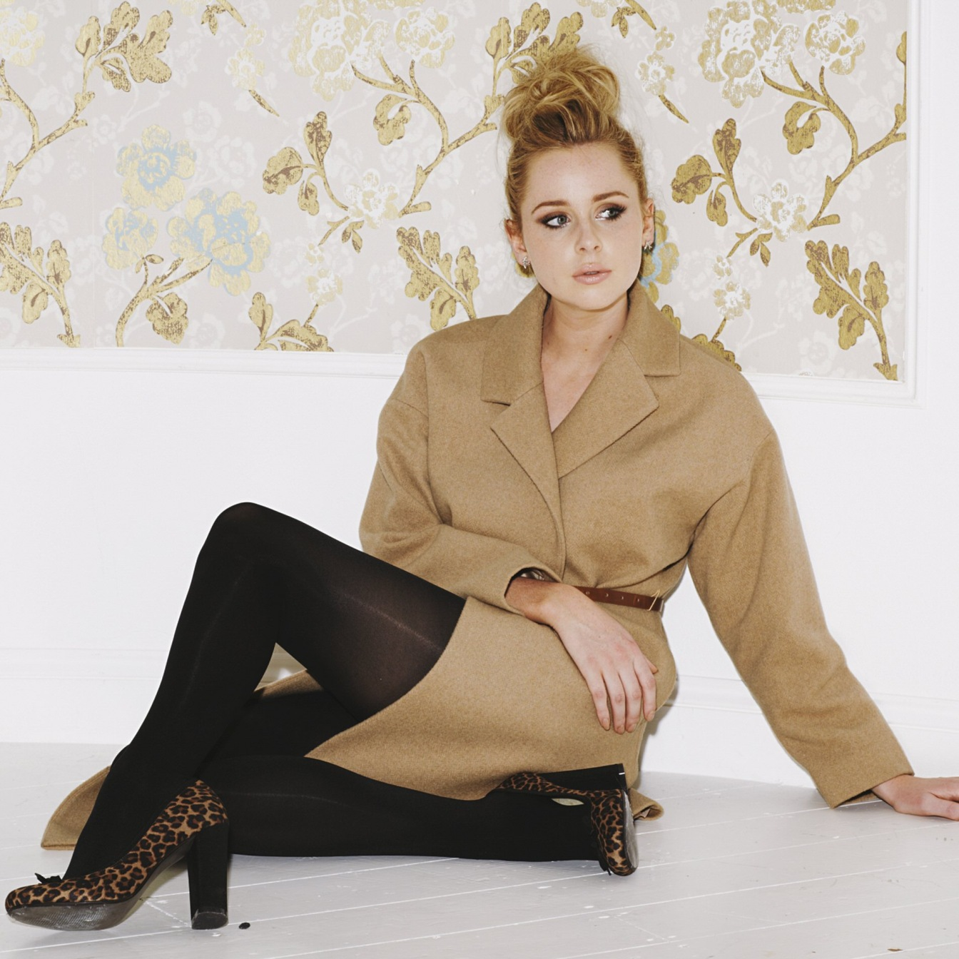 Celebrity Legs And Feet In Tights Diana Vickers Legs And
