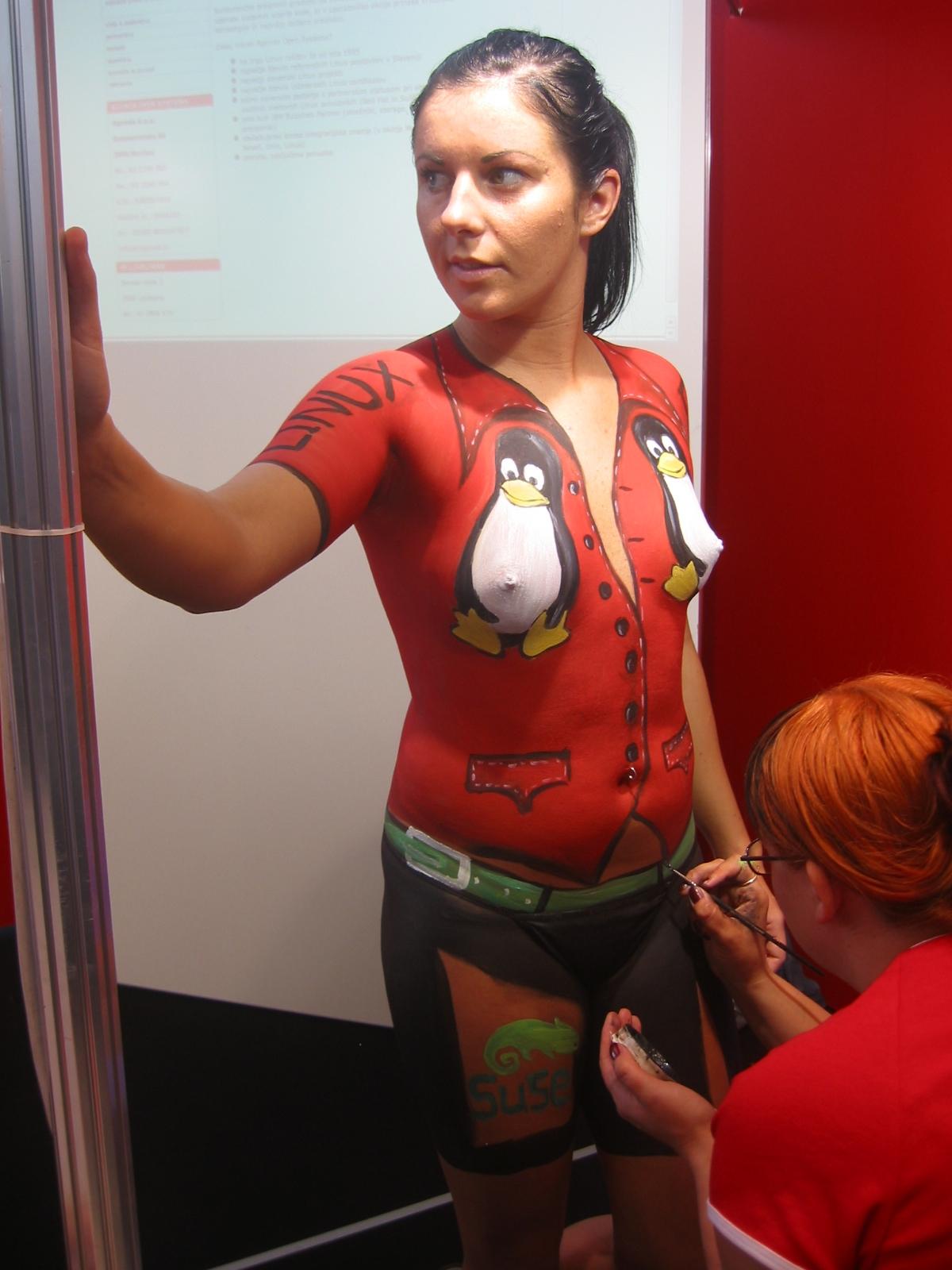 Body Painting Baju Pinguin