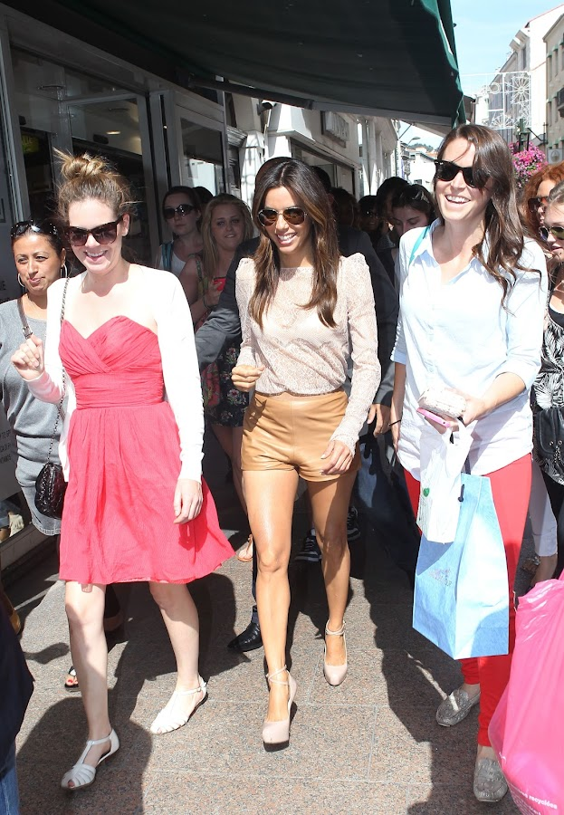 Eva walks the streets of Cannes with her fans