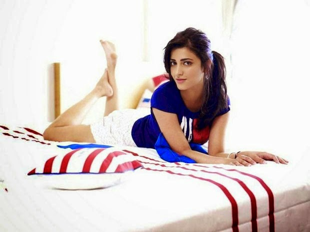 Shruthi Hassan hot hd wallpapers from her bedroom