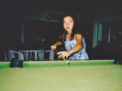 室内にもいろいろ無料の遊び場があって、プールバーや卓球場でも遊んでました