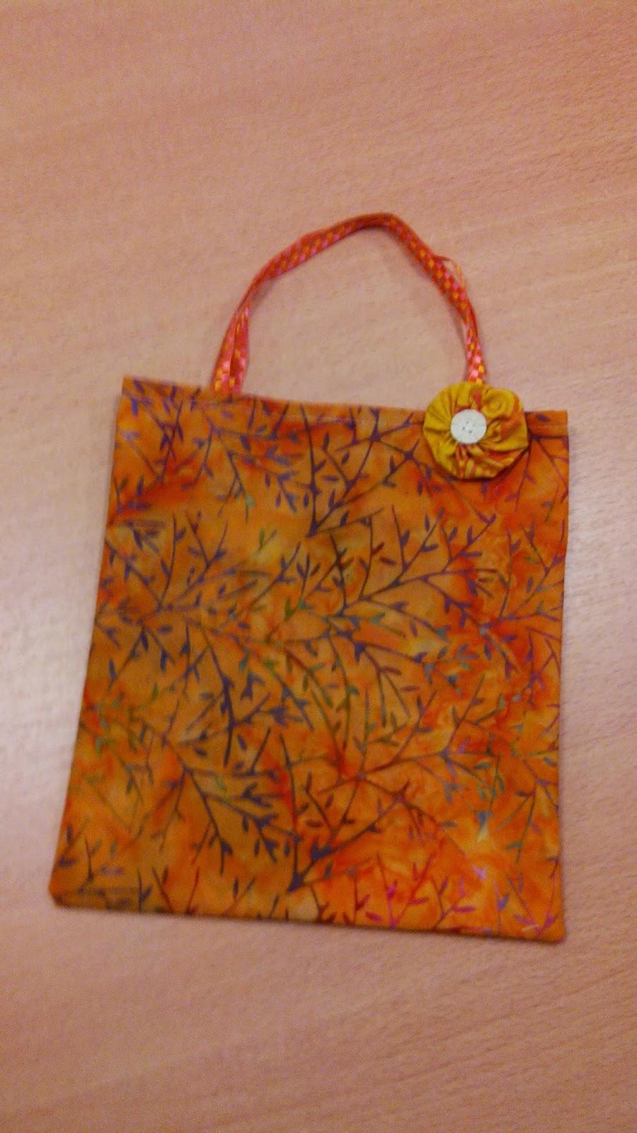 Couture en atelier sac tote bag réalisé par Alba 10 ans