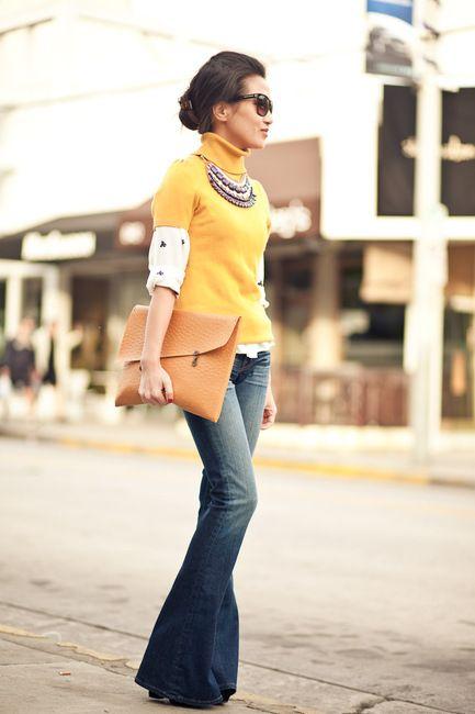 Look do dia - Zara Calças de ganga flair, camisola amarela, botins e carteira maxicolar