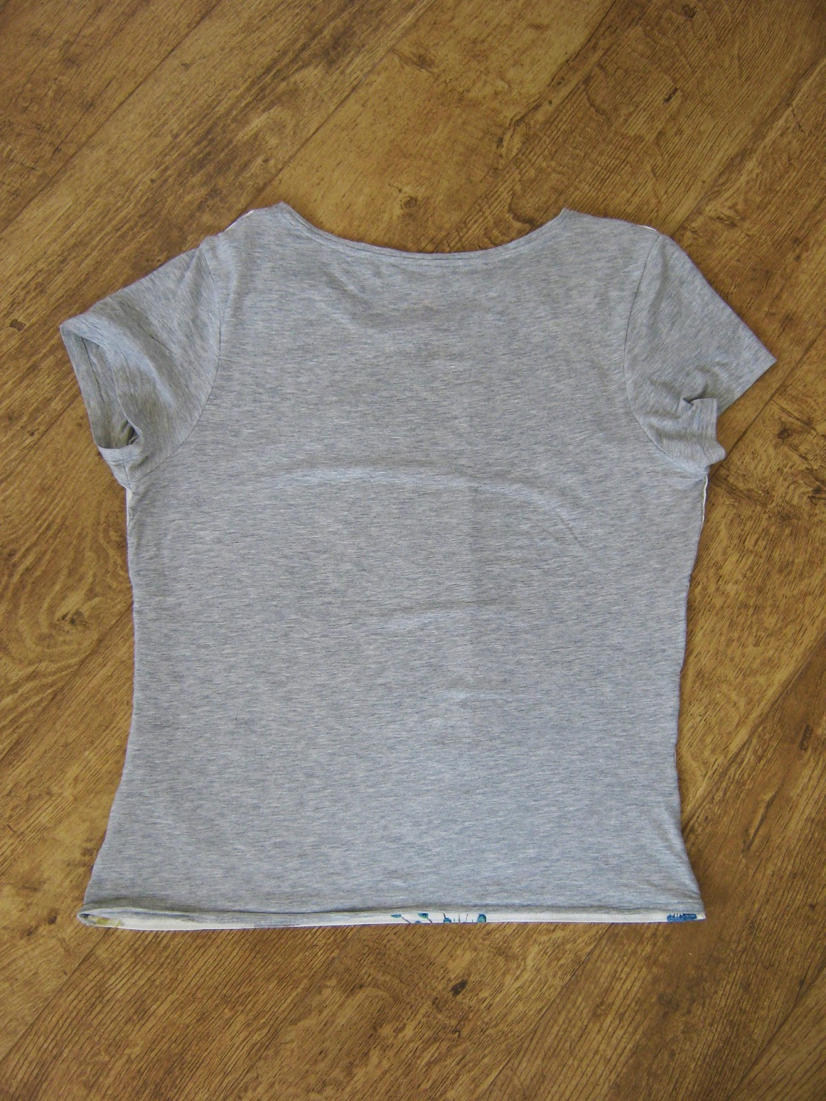 DIY Contrast Panel T-Shirt Hillarys Blinds