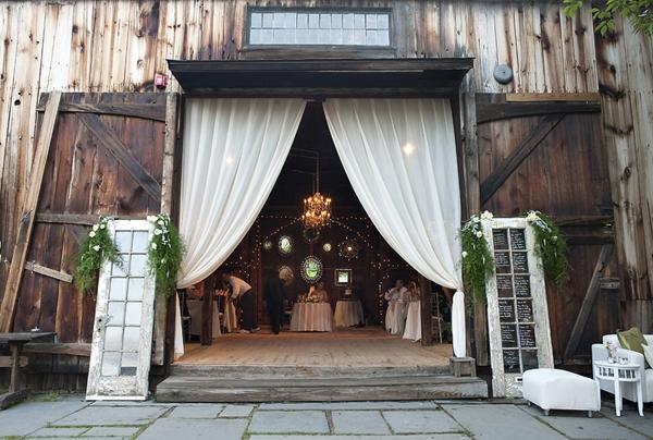 Jess And Becca 39 S Wedding Barn Weddings Doors Wide Open