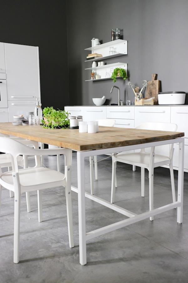 2blog blanco gris madera for Mesas de cocina blancas y madera