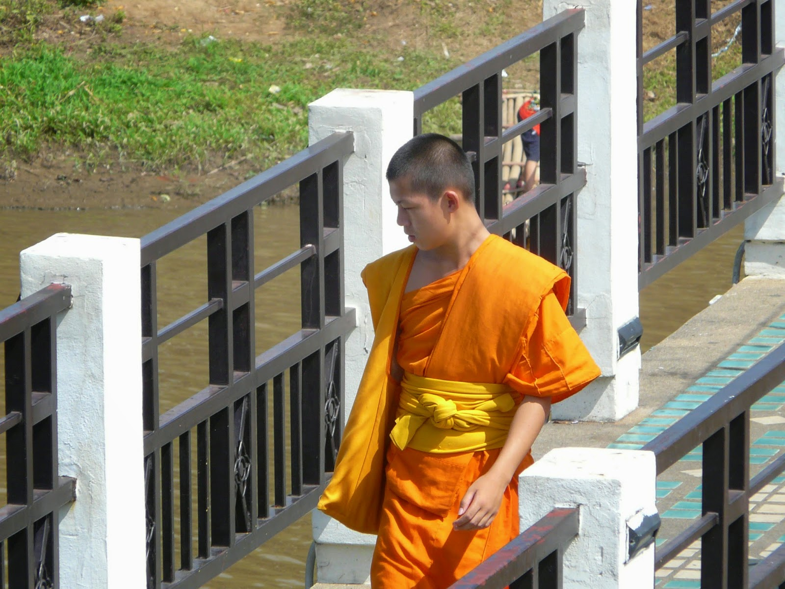 On the footbridge near Warorot Market in Chiang Mai