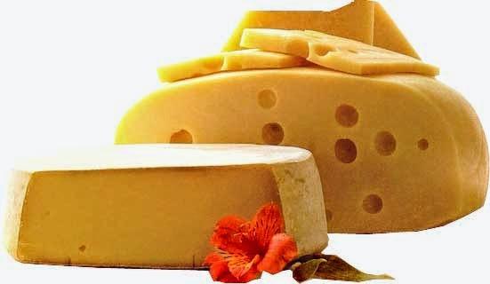 Clarear os dentes com frutas em casa-queijo