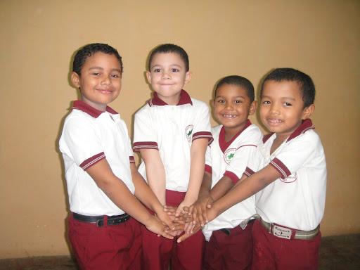 CENTRO EDUCATIVO PEQUEÑOS GENIOS