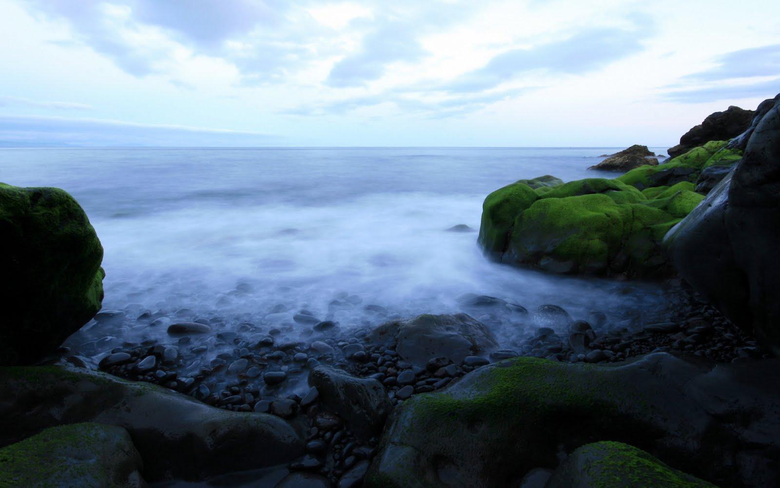 http://4.bp.blogspot.com/-loLnCPyaPZk/TeG30g-4GcI/AAAAAAAAAH0/ydtiHRdIvXI/s1600/BEautFull+Water+Scenery+Wallpapers+%252813%2529.jpg